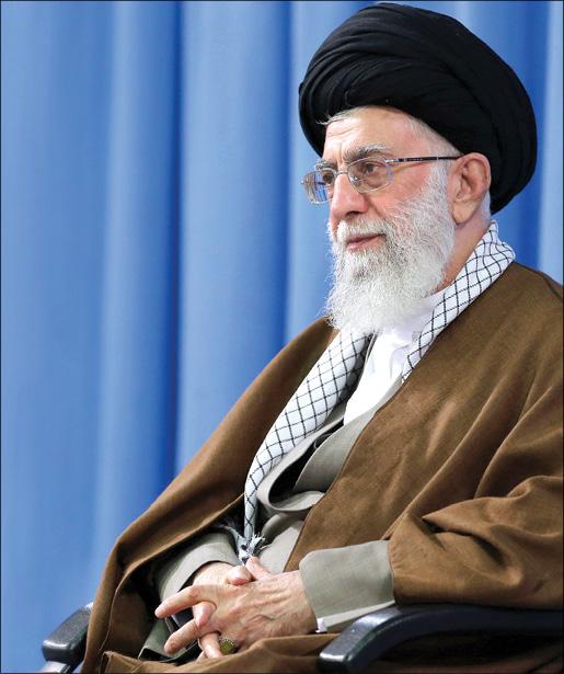 دانشجویان ایرانی در هر نقطهای میتوانند پیشگام بینیاز کردن کشور از بیگانگان باشند